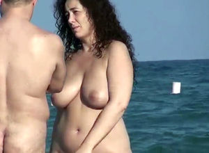Naturist Plumper Cougar got into the..