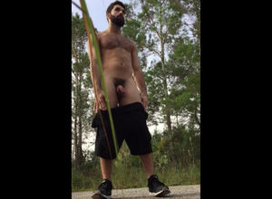 Bearded  showcases his fuckhole outdoor