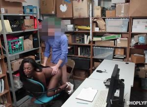 Shoplyfter dark-hued slut screwed